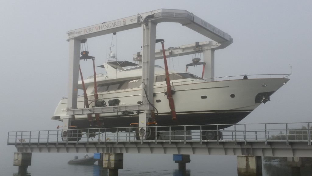 25M Motor Yacht, Misty Morning Haulout at Port Whangarei Marine Centre